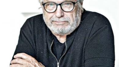 Photo of Leif Sylvester løfter sløret for skulpturfugle